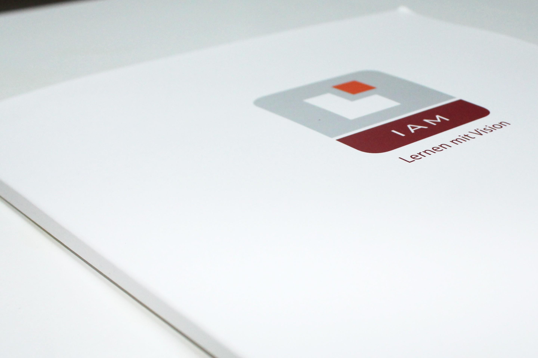 IAM - Geschäftsausstattung